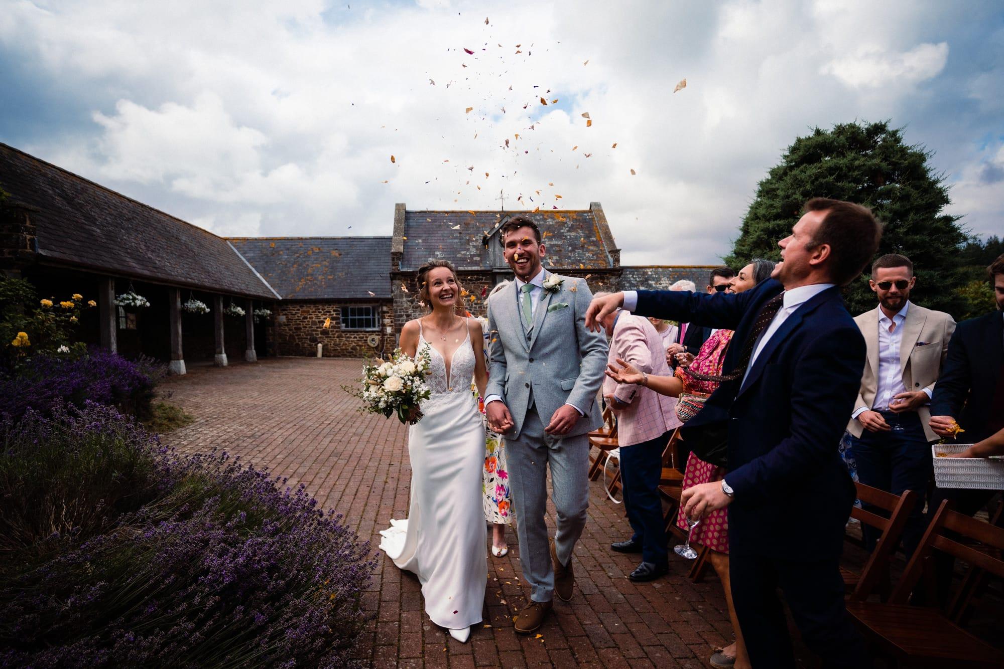 dorset wedding photography confetti