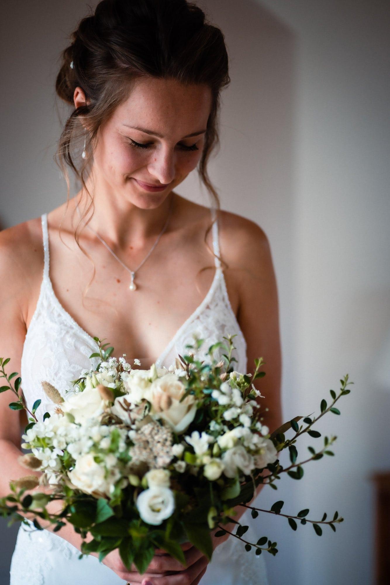 dorset wedding photography bridal flowers