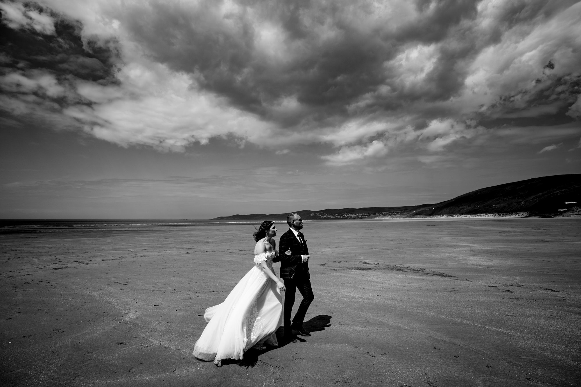 somerset wedding photographer Wedding Couple on Putsborough beach